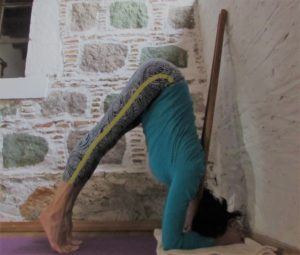 headstand with dowels